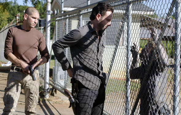 "The Walking Dead ~ Season 2 - Episode 10 ""18 Miles Out"""