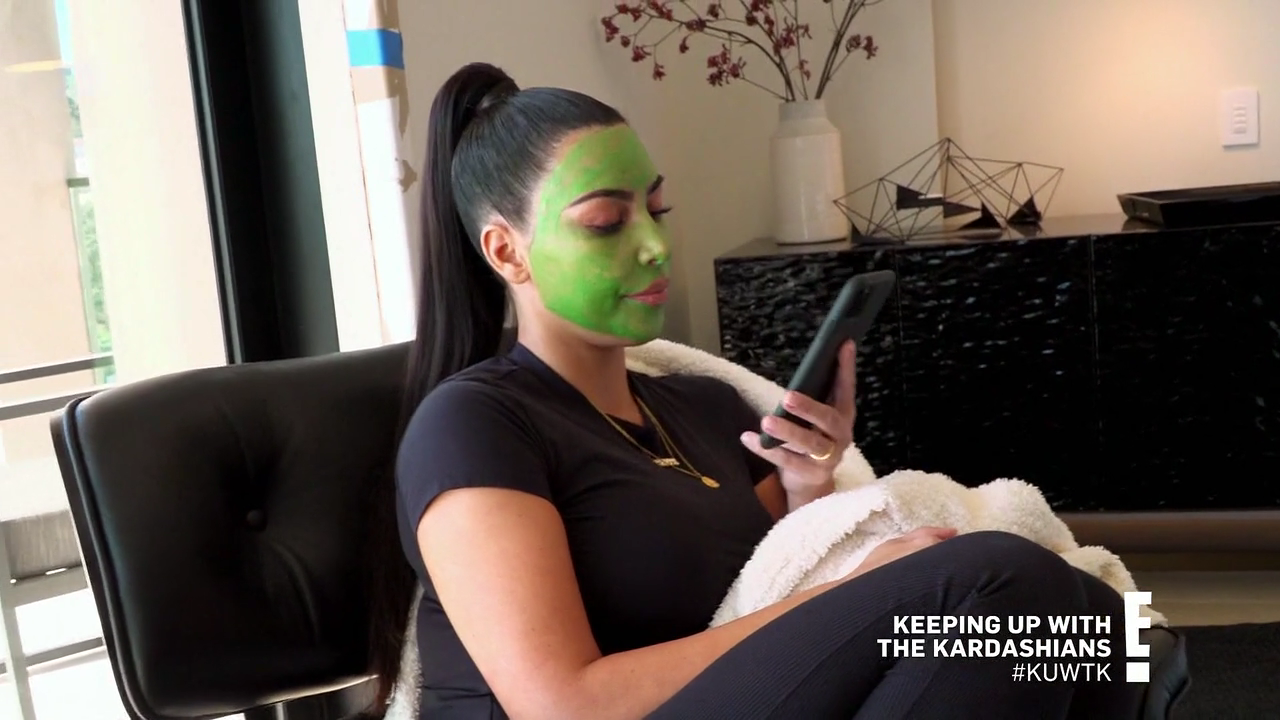 "Keeping Up with the Kardashians Season 18 - Episode 5 ""Surprise, Surprise"""